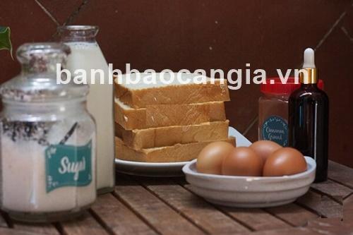 bánh bao Cần Gia thực hiện chiên bánh mì custard vào bữa sáng